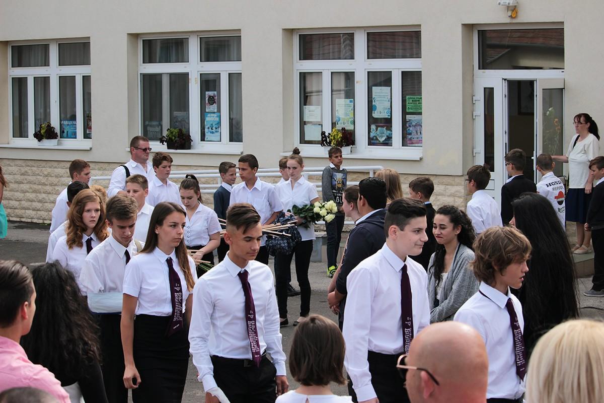 Bagfalu, Bag | 2017 Bagi Arany János Általános Iskola ballagás